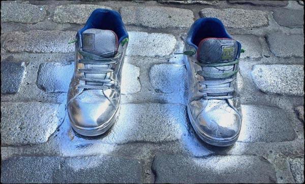 09-shoes-framed