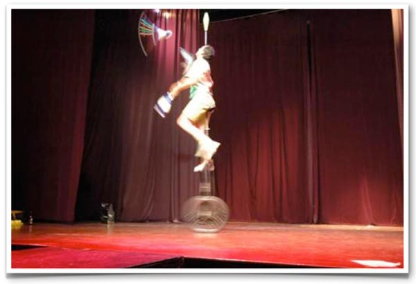 2004-unicycle
